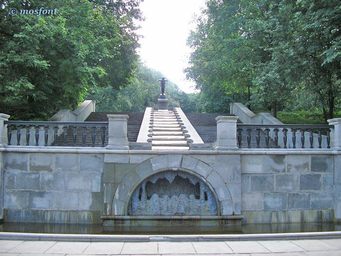 14 самых красивых фонтанов Москвы